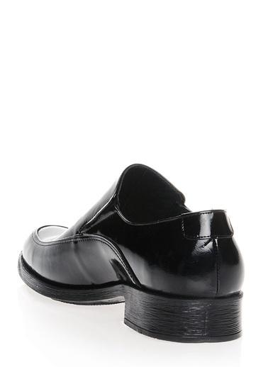 Klasik Ayakkabı-Asymmetry